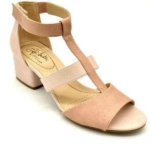 Life Stride Riley T Strap Open Toe Sandal 7 New